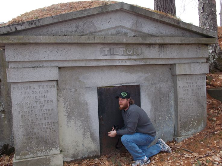 cemetery in new Hampshire #ghosthunt #ghost #investigation #Jason #Stanton # paranormal