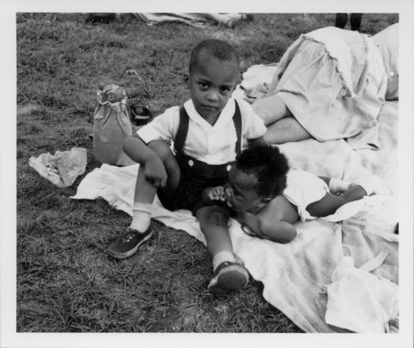 L'innocenza dei bambini è una favola che si raccontano i grandi per difendersi dai loro sguardi turbati.