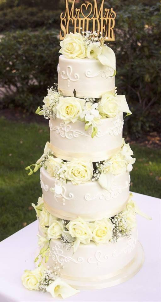Real wedding. Elegant wedding cake