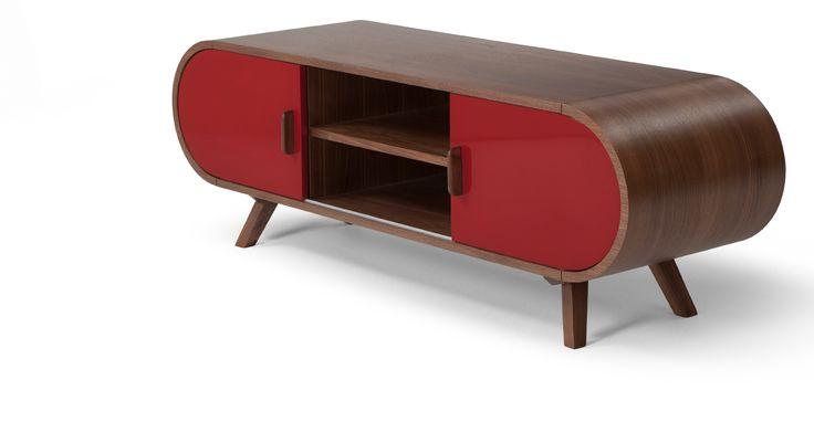Le meuble TV Fonteyn est une pièce en rouge laqué et plaqué noyer à l'élégance imparable.