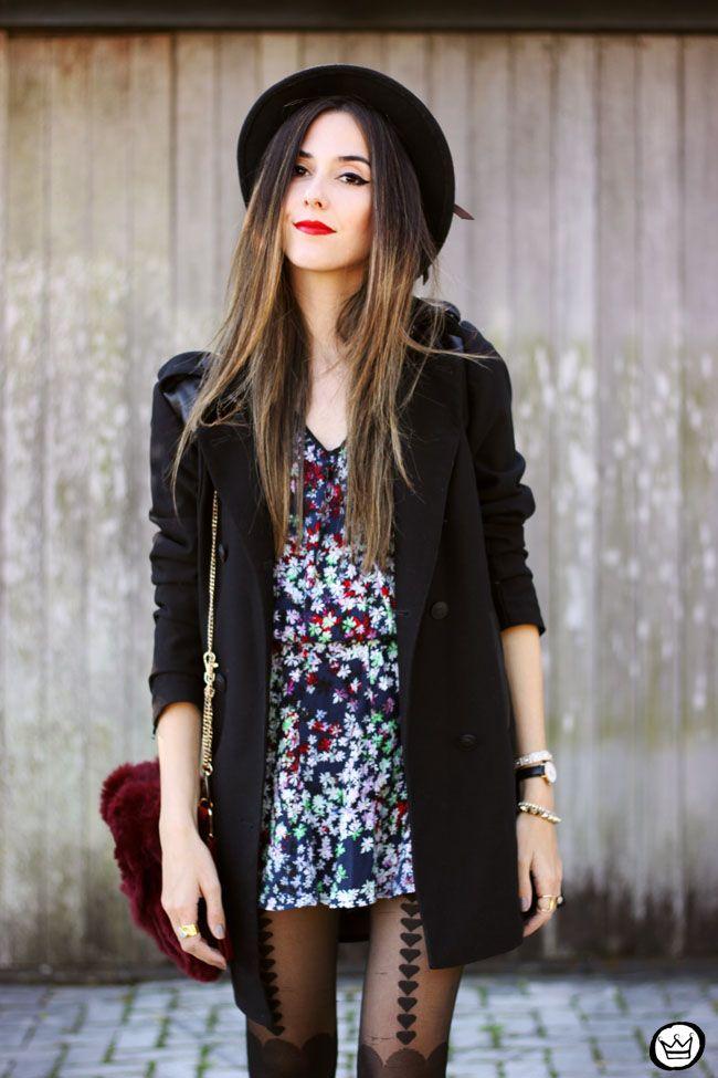 Inspiração do FashionCoolture  para o dia dos namorados e para o inverno: vestido floral + casaco + meias de coração + chapéu. Muito amor!