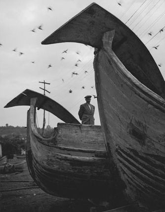 Jean Dieuzaide, The small boats of the black sea, Turkey, 1955. Learn Fine Art Photography - https://www.udemy.com/fine-art-photography/?couponCode=Pinterest22