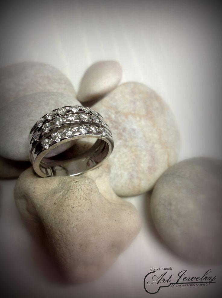 Anello in oro bianco e diamanti. #artjewelry #jewellery #ring #diamond https://www.instagram.com/costaemanuele_artjewelry/ https://www.facebook.com/gioiellicosta/  Photo: Noemi Barolo