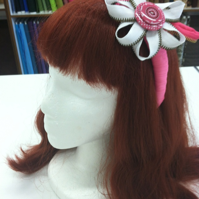 Be creative with zipper trims Wow look what you can do.