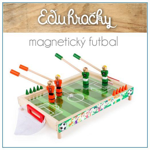 Spoločenská hra futbal je určená dvom alebo štyrom hráčom. Hracia plocha sa nachádza pod priesvitným plexisklom. Úlohou hráčov je pomocou magnetických futbalistov dostať loptu do súperovej bránky. Odpudivosť magnetov hrá pri tejto hre veľkú rolu. Loptička sa hodí na ihrisko cez dieru uprostred hracieho pola.