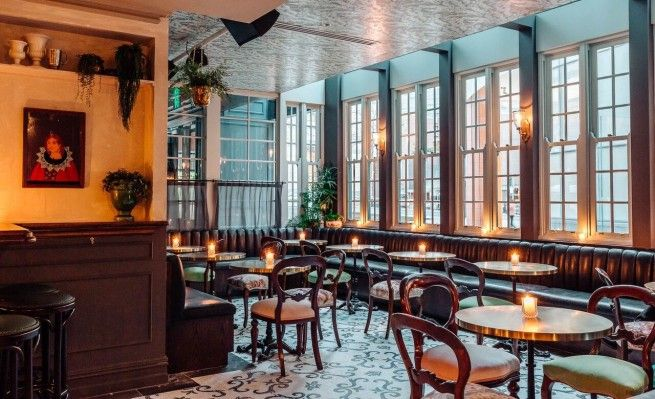 If you need some ideas to decorate your restaurant, here are some ideas! #restaurantdesign #restaurantnews #designnews #modernrestaurants #restaurantmoderndesign