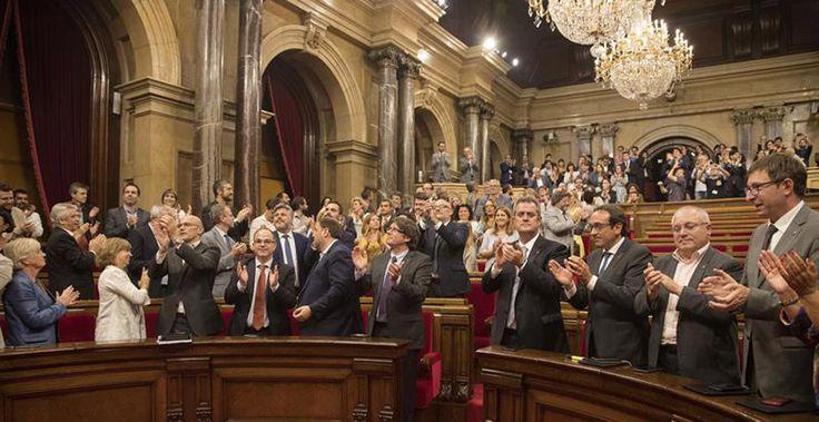 Así es la 'Carta Magna' provisional de la República Catalana votada por el Parlament