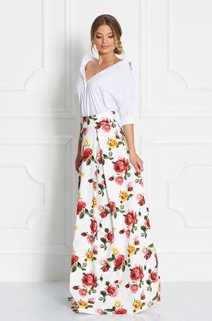 Jedinečná maxi sukňa s výraznou kvetinovou potlačou. Tento kúsok padne do očí každej štýlovej žene, ktorá sa chce zapáčiť. Vhodná ako na príležitosť tak aj na bežné nosenie.