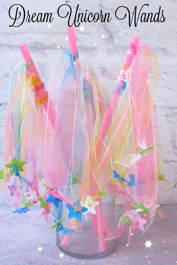 Unicorn Dance Party! Your little ones can twirl, dance, and leap all through the party with the star ribbon wands in our Dreamer favor pack! Click into our website to discover everything in your Dreamer favor pack! www.bittybashco.com