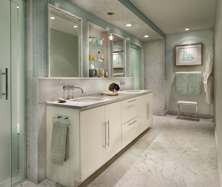 Airy Age Green Bathroom With Timeless Italian Marble