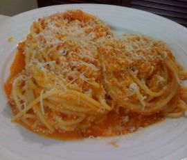 Recipe Red Pepper and Ricotta pasta sauce by NomesFog - Recipe of category Pasta & rice dishes