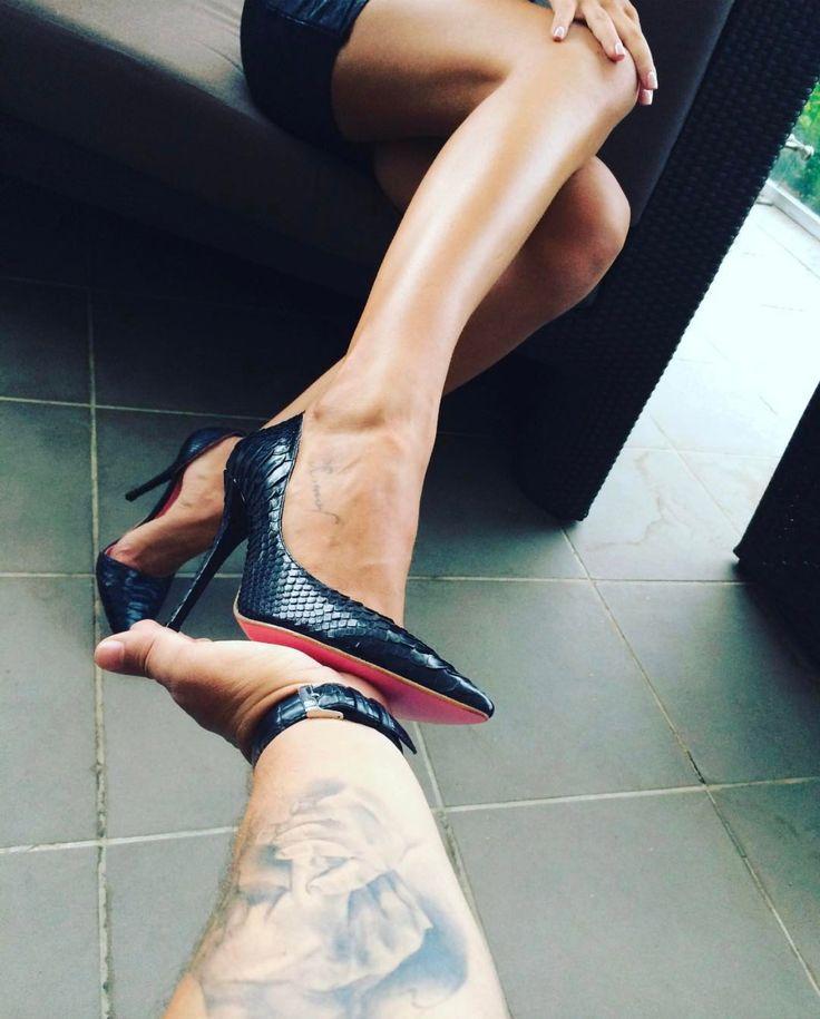 Python high heels by Yarose Shulzhenko Real python skin