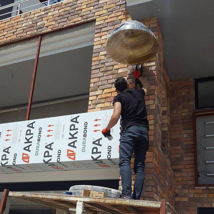 Montaj akcay unlu mamulleri #aydınlatma #tasarım#mimari#mutfakMüşterilerden gelenler #tasarım #sarkit #spor #tarz #dekor #armatur #endustriyel #elektrik #retro #vintage #edison #balikesir #izmir #istanbul #aydınlatma #ailecek #eskitme #aydınlatma #isik  #lamba #ampul #mimari http://turkrazzi.com/ipost/1514612827033437100/?code=BUE_FdnlAOs