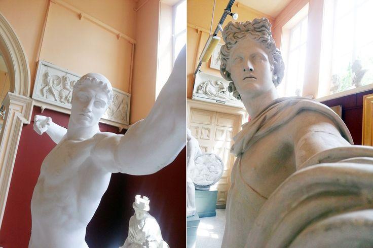 Podczas wizyty w Galerii Sztuki Crawford w Cork, jeden z odwiedzających sfotografował grecko-rzymskie gipsowe posągi w szczególny sposób. #Selfie w nowej, posągowo-gipsowej odsłonie :)