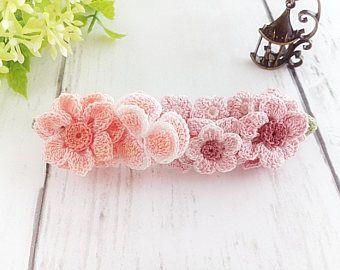 Ganchillo Flor pelo Clip Barrette francés Floral Pink Rose Crochet flores, pinza de pelo de las mujeres de tamaño medio, cumpleaños boda regalo para ella