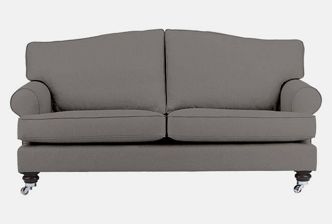 The Deddington 3.0 seat sofa offers opulent comfort with it's generous curves and deep seats while keeping an eye to a more contemporary style.