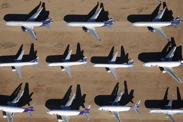 O cemitério de aviões de Victorville, na Califórnia (Foto: Lucy Nicholson/Reuters)