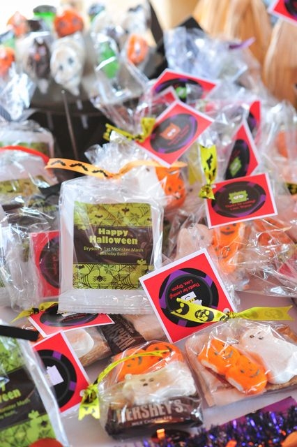 Halloween Party Favors #halloween #partyfavors