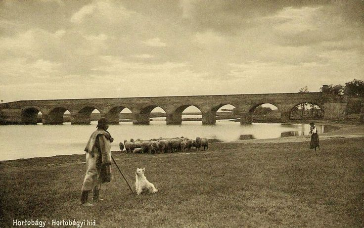 1930-1939 - Hortobágy national park in Hungary - The Nine-arched Bridge. This stone version was built in 1827-33, to replace an original wooden bridge that dated back to 1697, but had become unusable after 130 years.