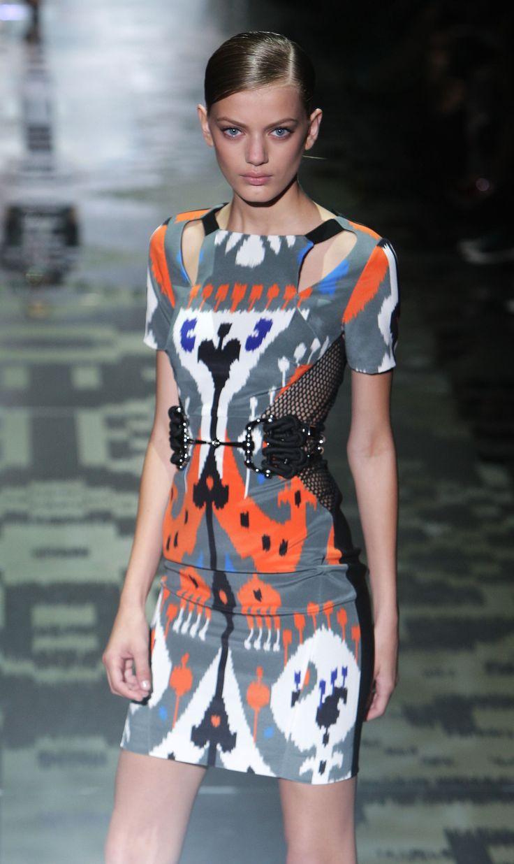 Gucci Milano S|S 2010 Fashion Show