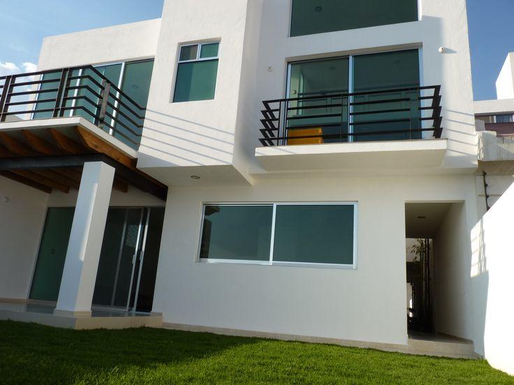 17 mejores im genes sobre fachadas de casas en pinterest for Casas modernas juriquilla