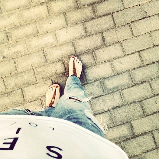 Sundays in the city! #rippedjeans #street #Athens #walking-around #2selfies_out&about #blog
