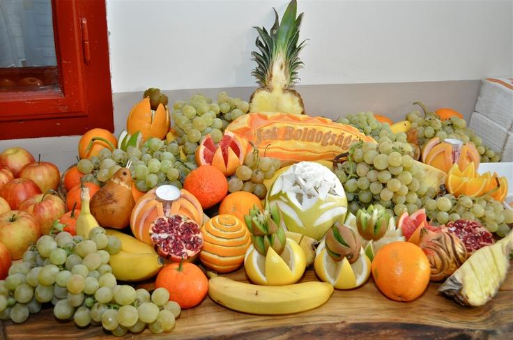 Fruit carving for wedding fruit bar.
