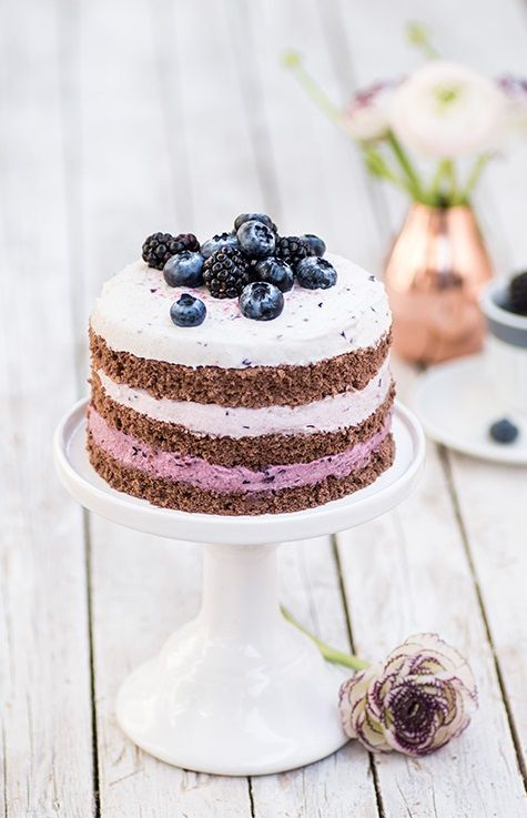 ... chocolate biscuits cake with blackberry and blueberry whipping cream ...