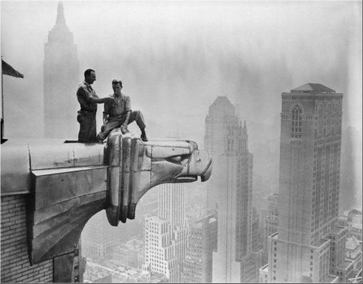 Chrysler Building | Männer am Dach
