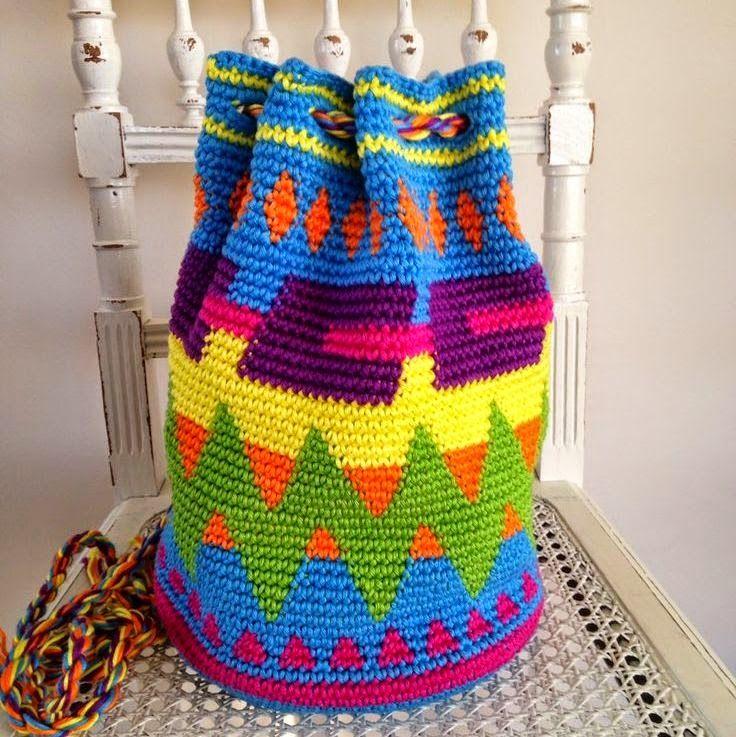 Amber's Creaties: Hoe haak je een look-a-like van een Wayuu Mochila-tas?