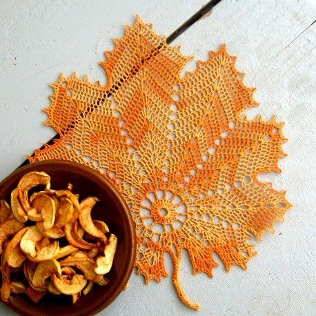 Háčkovaný list - oranžový