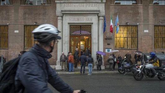 Roma, alla Garbatella negli ex bagni pubblici nasce lo spazio Moby Dick