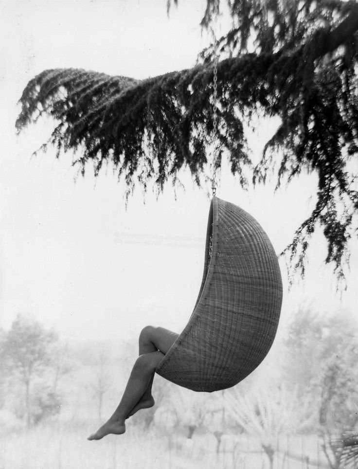 Hanging Egg Chair designed by Nanna & Jørgen Ditzel in 1959 http://www.sika-design.com/collections/icons/nanna-ditzel/hanging-egg-chair-indoor