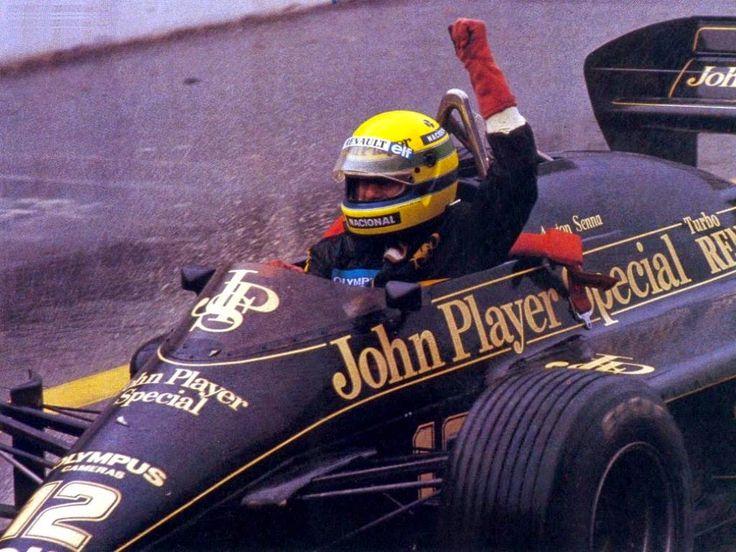 Gran premio de Portugal 1985, primera victoria de Ayrton Senna en Fórmula 1, a bordo de un  Lotus Renault.