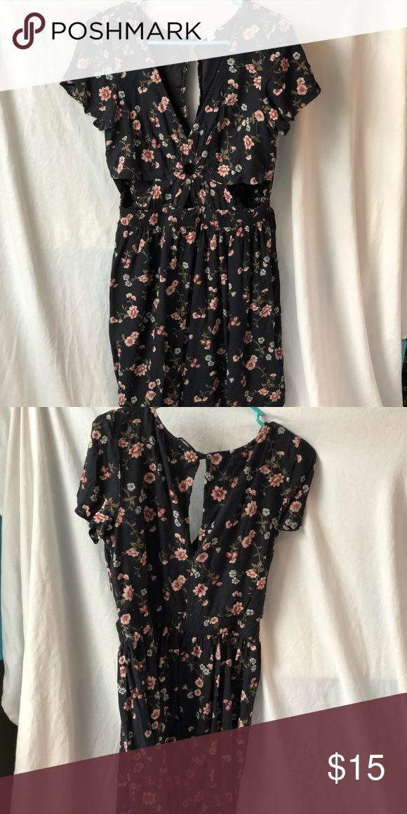 American Eagle floral mini Dress Black floral mini dress American Eagle Outfitters Dresses Mini #americaneagleoutfitters