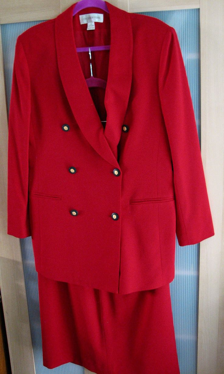 23.76$  Watch here - http://viauk.justgood.pw/vig/item.php?t=44krev33387 - RED Jones New York Skirt Suit Gold Crested Buttons 12 or M 23.76$