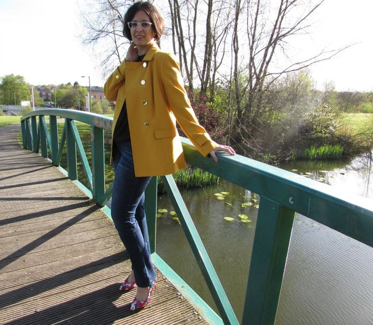 Look of the Day: Yellow Jacket #Fashion POST by Elite Member @izabelanair  FEAT @fandfclothing  #fbloggers #lotd #jacket