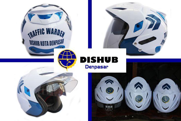 Dishub Denpasar secara khusus memesan helm untuk kampanye keselamatan lalu lintas. Helm promosi bukan saja untuk mengiklankan produk, tetapi bisa dijadikan alat kampanye oleh instansi pemerintah yang murah dan terlihat dimana-mana. Info lebih jelas hubungi : 0812 8706 8190, email : shinta@pabrikhelm.com