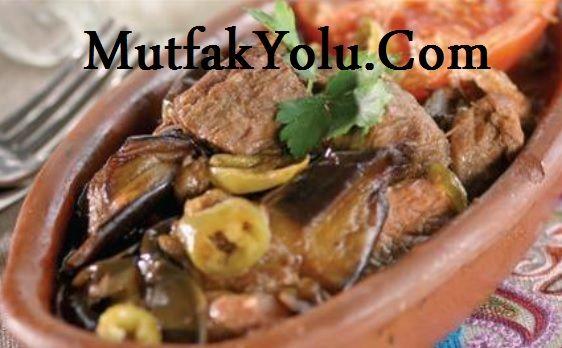 Enfes Parmak Kebabı Merhabalar MutfakYolu.Com okurlarımız, bugün size Güneydoğu Anadolu meşhur kebapları arasında bulunan parmak kebabı tarifi vereceğiz. Parmak kebabı ile siz de yöresel bir kebap tarifi hazırlayıp sevdiklerinize sunabilirsiniz. Parmak Kebabı Malzemeleri 1 kilo kuşbaşı kuzu eti 6 adet patates 3 adet patlıcan Parmak Kebabı Sos Malzemeleri 3 adet yeşil biber 1 yemek kaşığı […]
