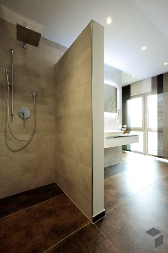Eine Bad Inspiration aus einem FingerHaus  ➤ Finde Häuser von verschiedenen Anbietern auf www.fertighaus.de ____ Einrichtung, Interior, Badezimmer, Inspiration, Dusche, modern, Regendusche