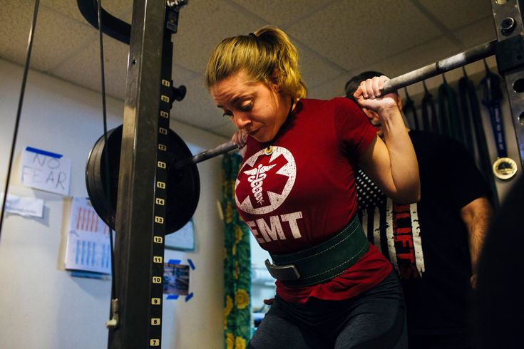Naomi Kutin, 16, is an Orthodox Jewish girl from New Jersey with a knack for setting powerlifting records.