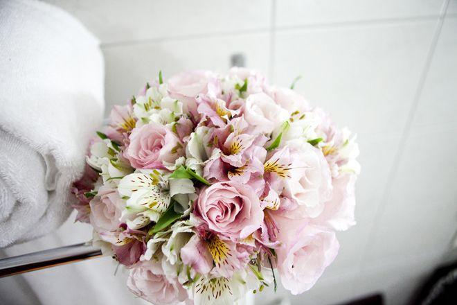 buque-astromelia-lisianto-rosas