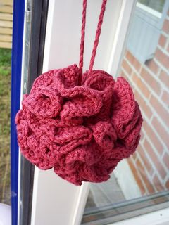 The Perfect Loofah - Free Ravelry Pattern - Crochet Bath Puff - I like this pattern better. Mostly because it is in English :) also 4o = 40.