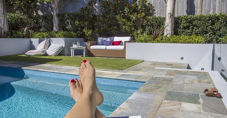 Relaxed Poolside Planting