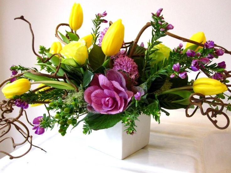 idées composition florale   Composition florale romantique – bouquets de roses, rideaux à ...