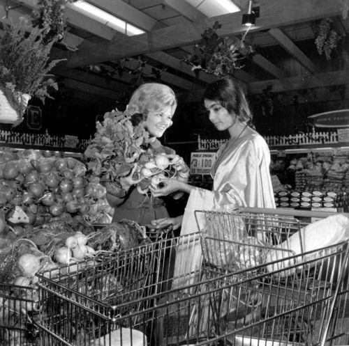 Women in a Publix grocery store: Tallahassee, Florida by State Library and Archives of Florida, via Flickr