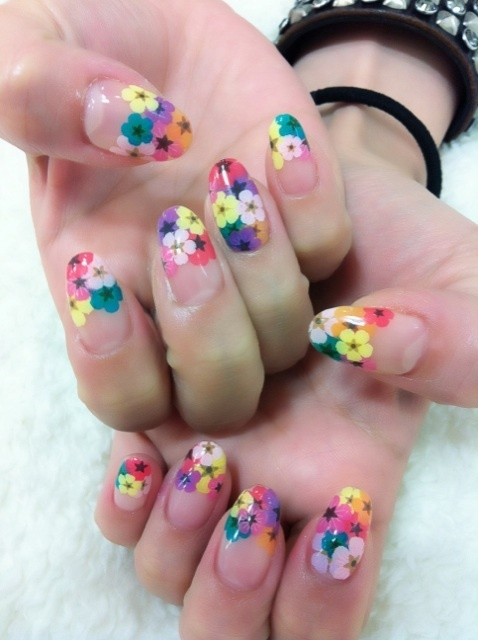 Floral Manicures For Spring And: 1000+ Images About Dried Flower Nail Art On Pinterest
