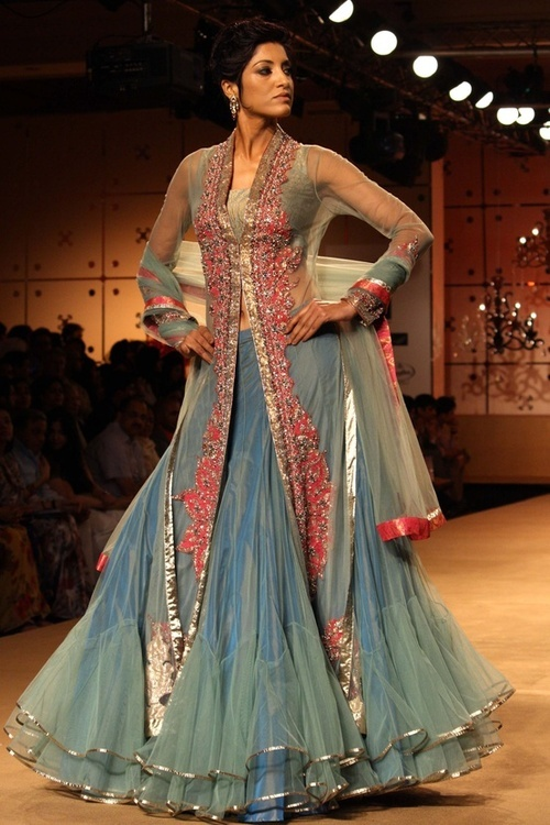 blue and pink lehnga