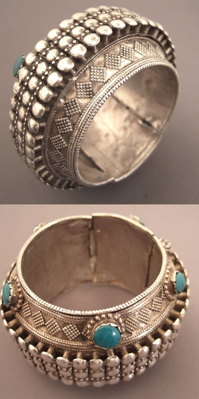 Ancient silver and turquoise bracelet from Rajasthan, India. © Micheal Halter