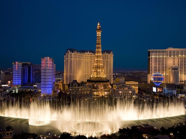 Bellagio Fountain, Bally's and Paris Casinos, Las Vegas